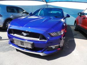 blue ford mustang