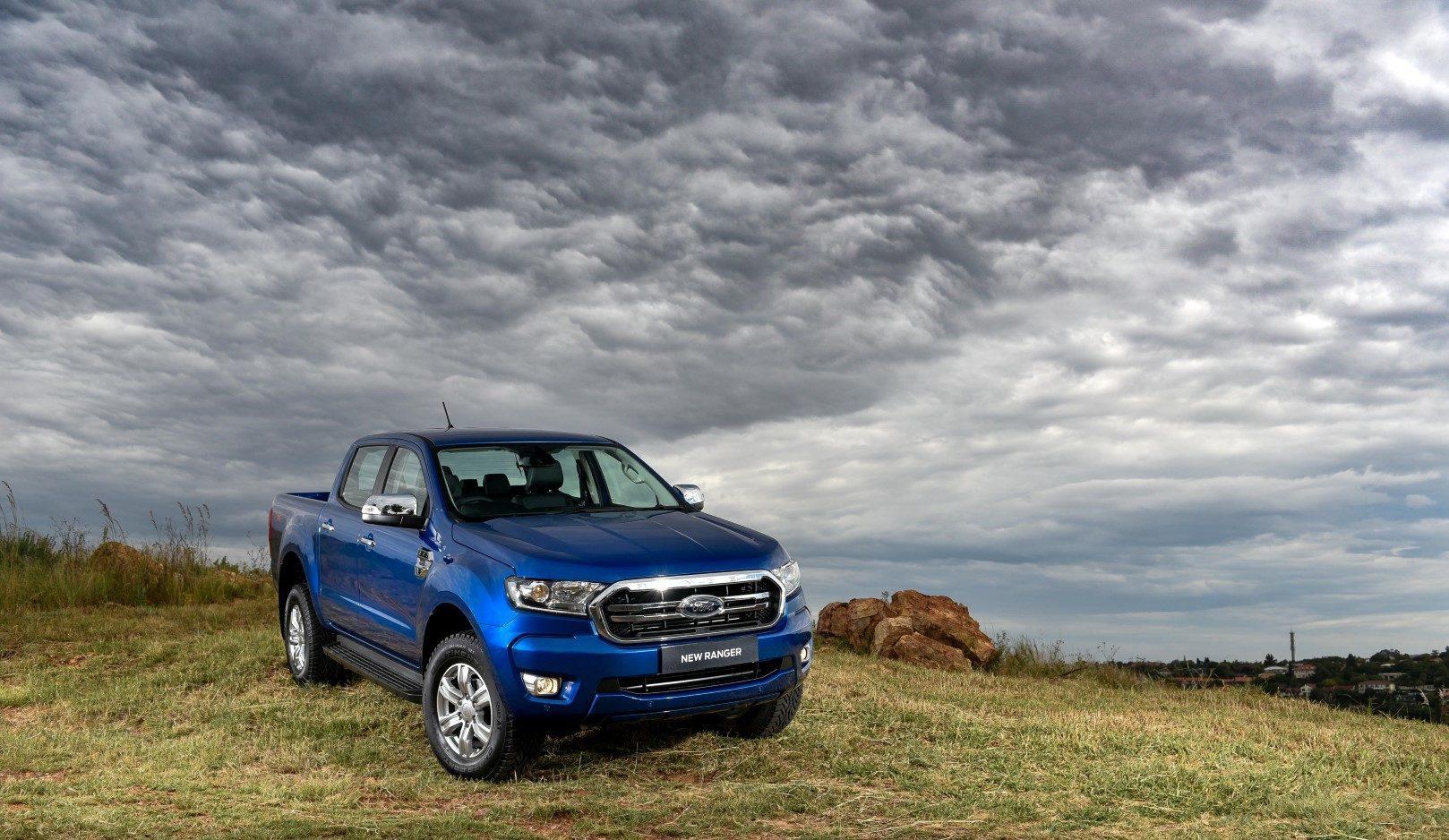 ford-Ranger-XLT-Blue-Lightning-
