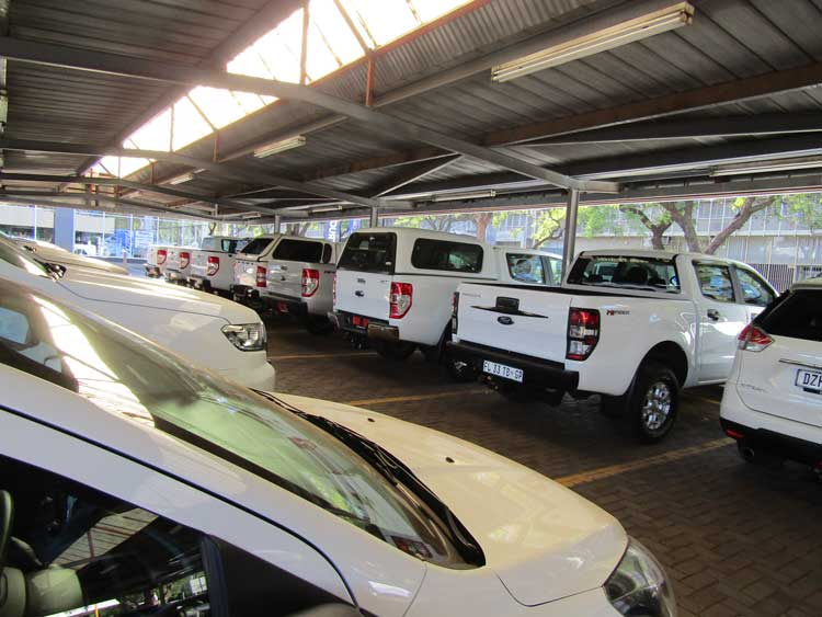 Kempster Ford Pretoria - Parking