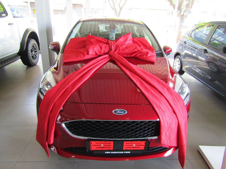 Christmas-Red-Ford-Fiesta-2Front-View-CMH-Kempster-Ford-Pretoria