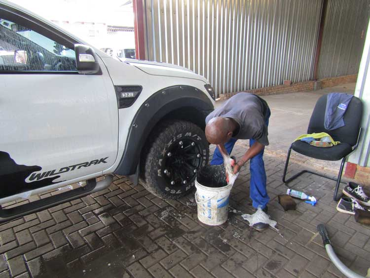 Going Green saving the world - CMH Kempster Ford Pretoria - Ford Ranger Wildtrack - Backet wash