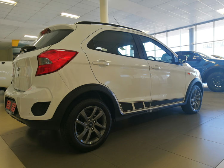 Ford Figo Freestyle - side-view
