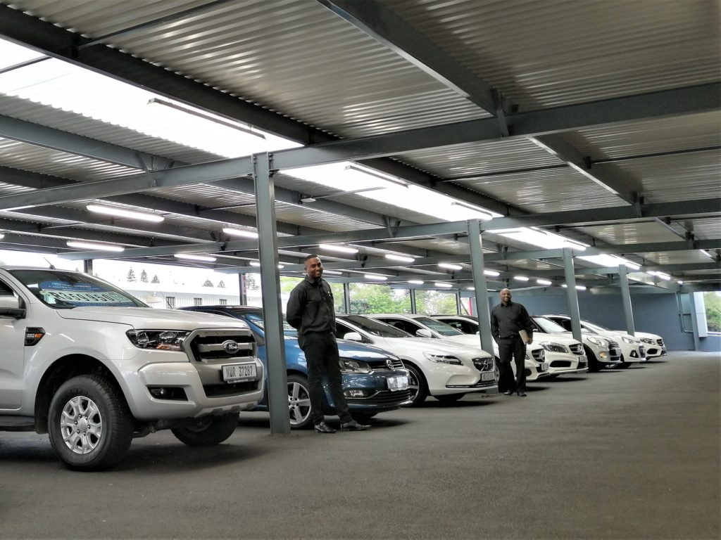 CMH Kempster Ford Umhlanga - Preowned floor - Art Dealership