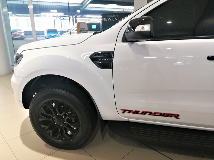 Ford Ranger Thunder - Left Side
