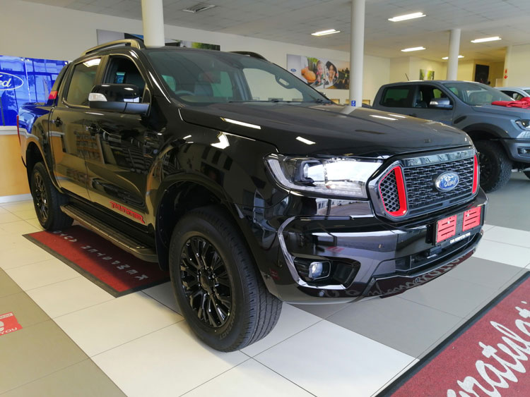 Ford-Ranger-thunder-black
